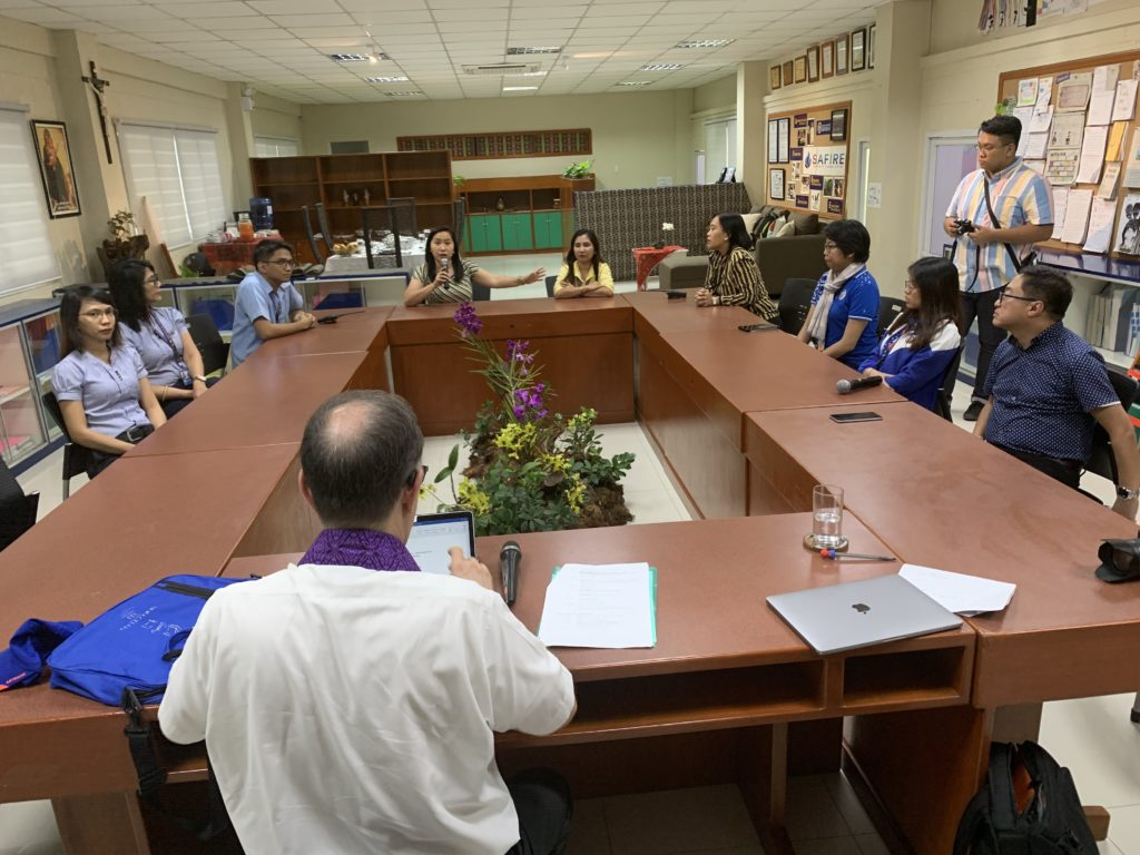 Jesuit Education Secretary Meets With Philippine School